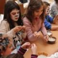Ozareni igrom i dečjim stvaralaštvom
